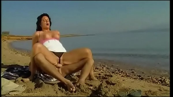 Walking, Beach fuck