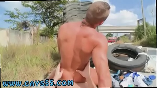 Naked public, Naked outdoor