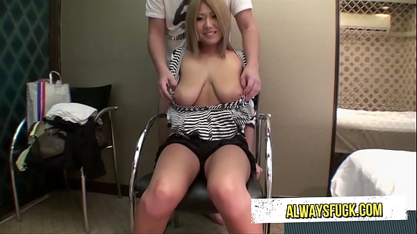 Huge tits, Asian girl